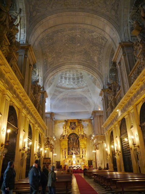 Seville cathedral interior architecture